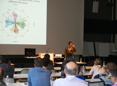 Botond Roska filled in as a plenary speaker and presented his research at FMI for this NCCR.